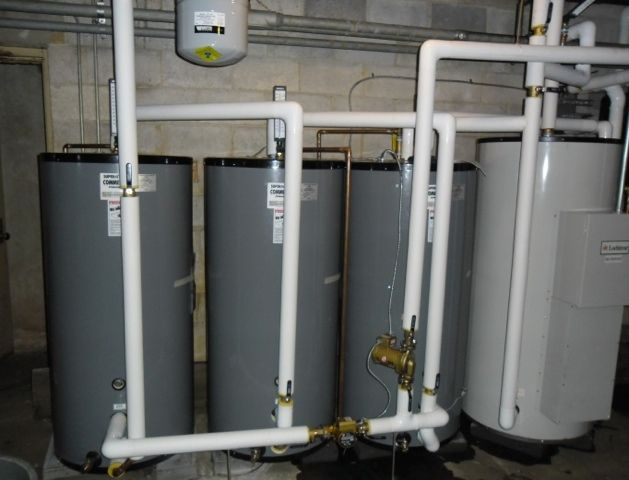 multiple pressurized solar tanks