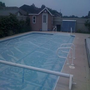 outdoor-solar-swimming pool-heating